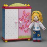 Кукла Карри с комплектом одежды и шкафом GOKI